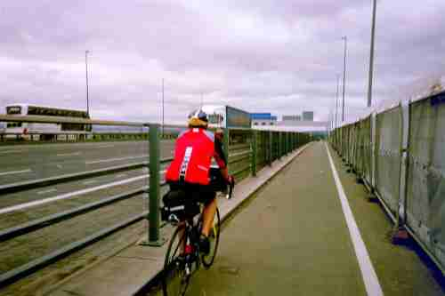 Cycling across the M5 Avonmouth Bridge
