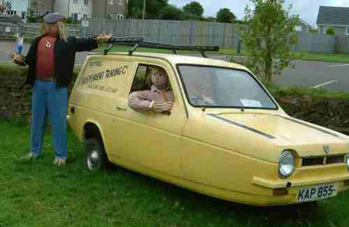 Delboy, complete with yellow Reliant Robin at Taphouse. Cornwall